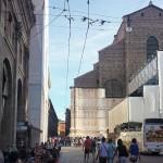 Scorci bolognesi, con una luce bellissima #bologna #piazzamaggiore #sanpetronio #vivobologna #ig_bologna #igersbologna #igersemilia #igersemiliaromagna