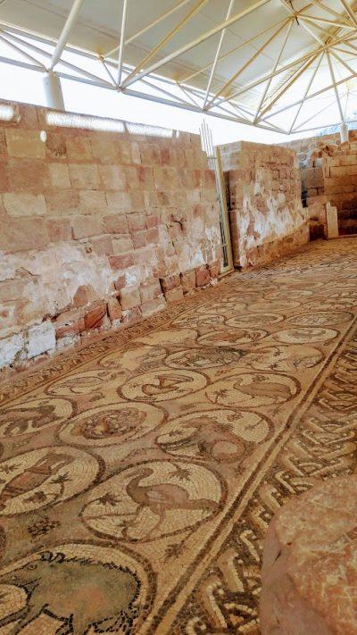 I bellissimi mosaici della chiesa