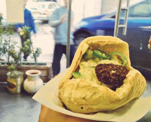 cosa fare ad Haifa: dedicarsi ai falafel, per esempio