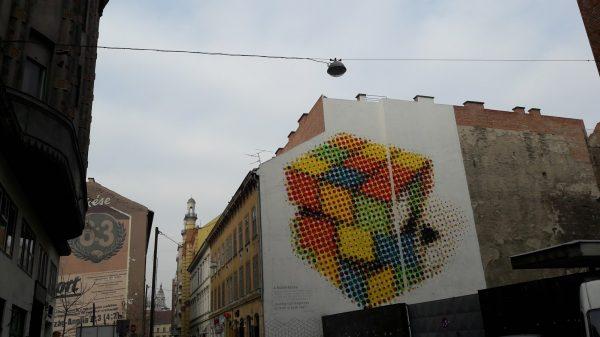 Murale sul cubo di Rubik a Budapest