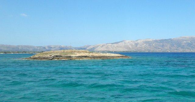Le rocher de Pavlopetri, sous cette mer il y a une ville antique