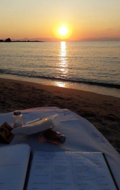 Un dîner au bord de la mer à Elafonisos