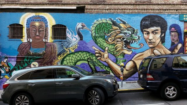 Un bel graffito con Bruce Lee, a Chinatown