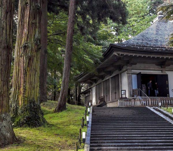 L'ingresso del Konjikido, coperto da un padiglione